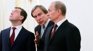 Перед Кремлем стоит задача срочно спасти награбленное