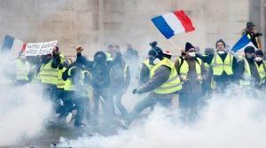 ГИБРИДНАЯ ВОЙНА. Кремлевские боты и русские банды атакуют Францию