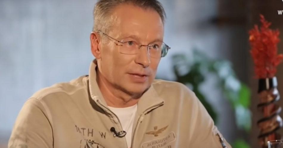 Дмитрий Чекалкин : для зомби Гонтарева, которая спасла банковскую систему Украины во время войны - враг, а Коломойский, укравший сотни миллиардов из их карманов – уважаемый бизнесмен