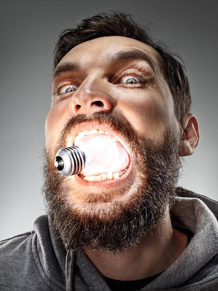 Названы два новых способа вынуть лампочку изо рта
