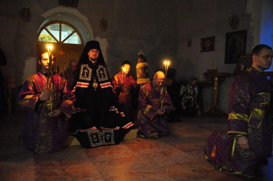 Опиум для народа? В России епископ превратил дом в нарколабораторию
